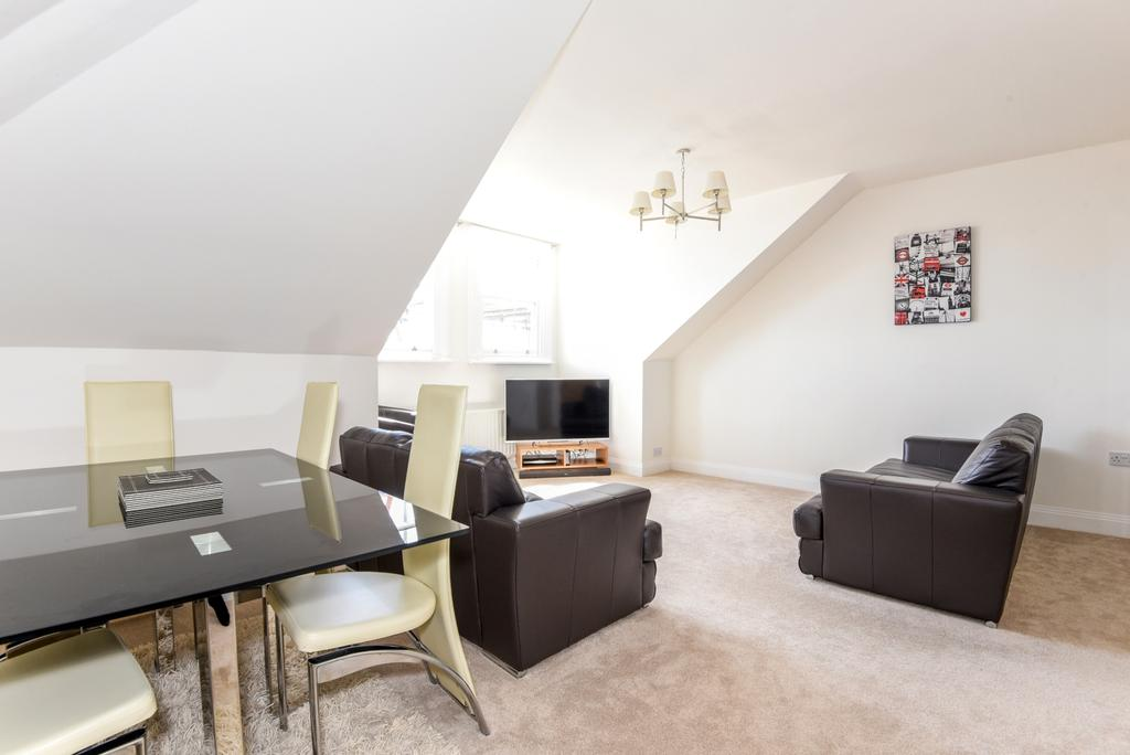 2 Bedrooms Flat for sale in Ross Road London SE25