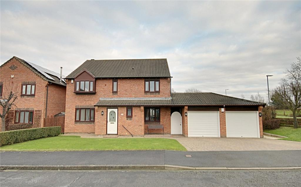 4 Bedrooms Detached House for sale in Oughton Close, Yarm