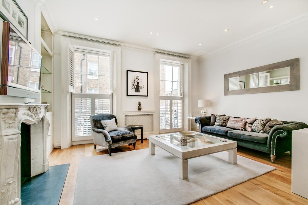 2 Bedrooms Flat for sale in Motcomb Street, Belgravia