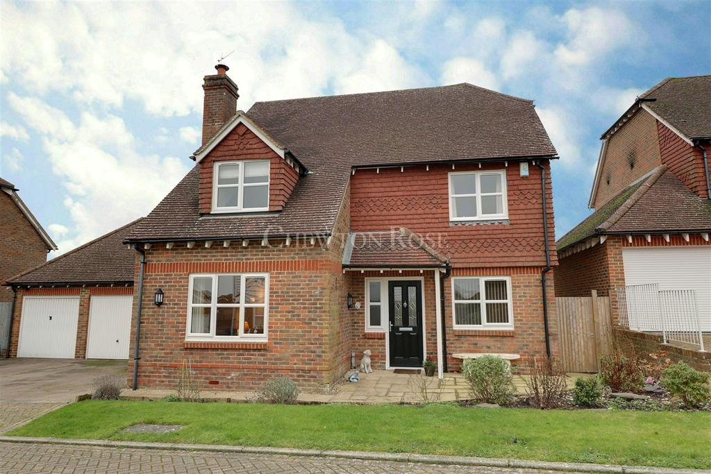4 Bedrooms Detached House for sale in Burwash, East Sussex. TN19