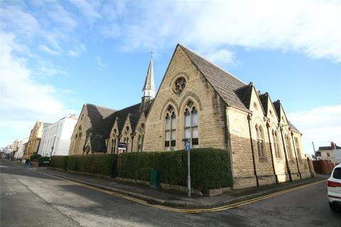 3 bedroom house share to rent - Old School Court, Great Norwood Street, Leckhampton, Cheltenham, GL50