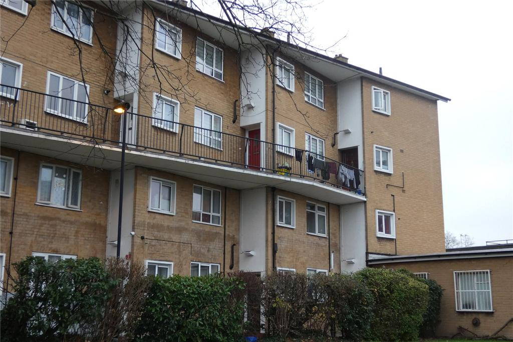 3 Bedrooms Apartment Flat for sale in Brompton House, Fore Street, Edmonton, London, N9