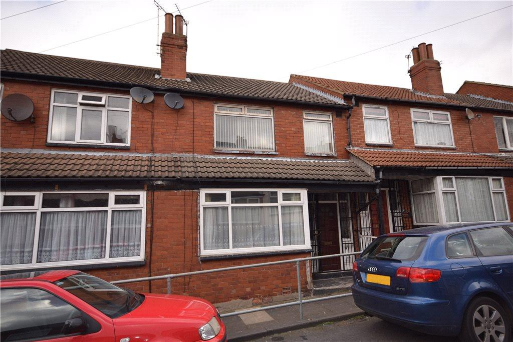3 Bedrooms Terraced House for sale in Sandhurst Road, Harehills, Leeds