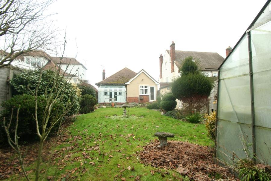 3 Bedrooms Bungalow for sale in Clare Road Braintree