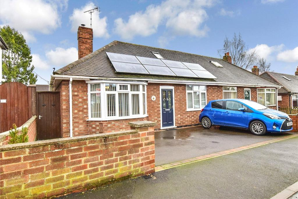 2 Bedrooms Semi Detached Bungalow for sale in Dorothy Avenue, Melton Mowbray, Leicestershire