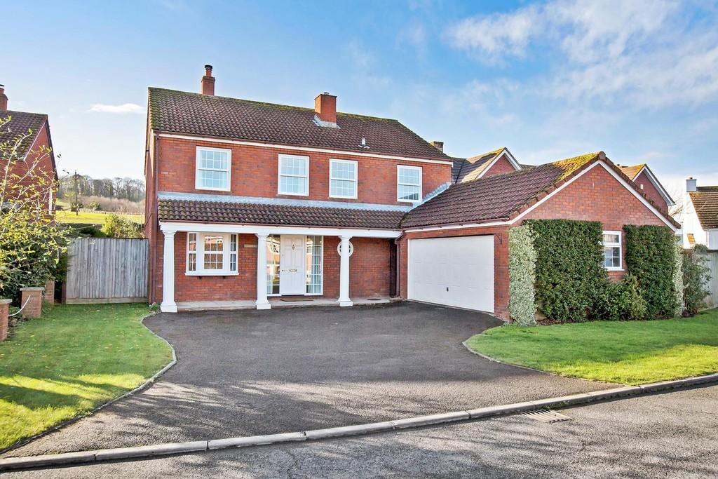 4 Bedrooms Detached House for sale in Kenton, Exeter