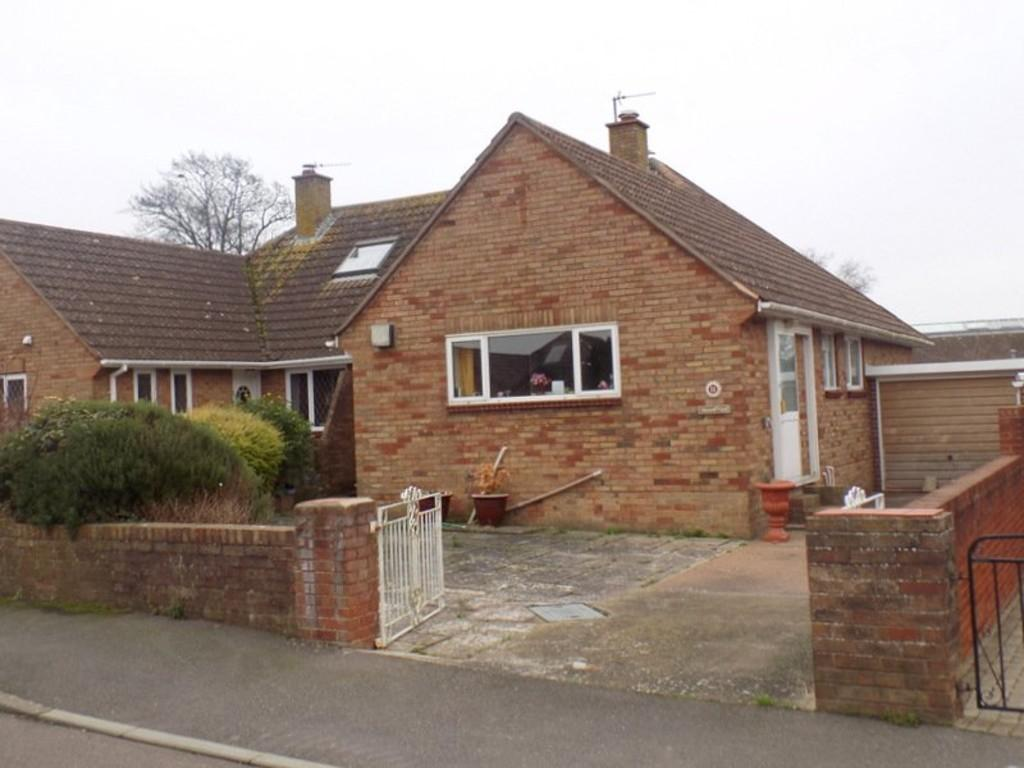 2 Bedrooms Semi Detached Bungalow for sale in Ryll Court Drive, Exmouth
