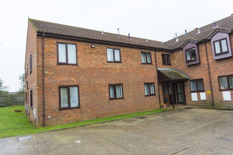 2 Bedrooms Ground Flat for sale in Flitwick