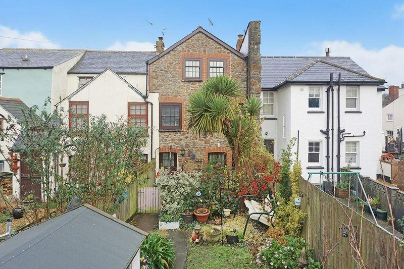 4 Bedrooms Terraced House for sale in Bridge Street, Stratton, Bude