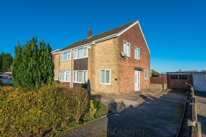 3 Bedrooms Semi Detached House for sale in Ludlow Crescent, Runcorn