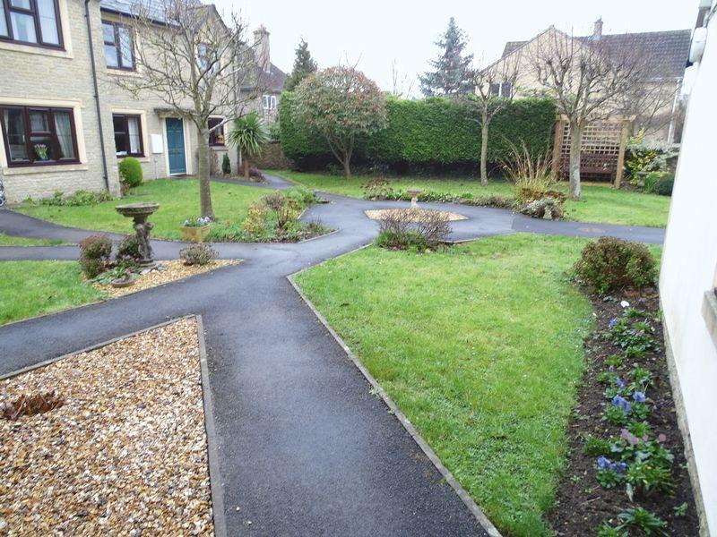 2 Bedrooms Apartment Flat for sale in Thornleigh, Melksham