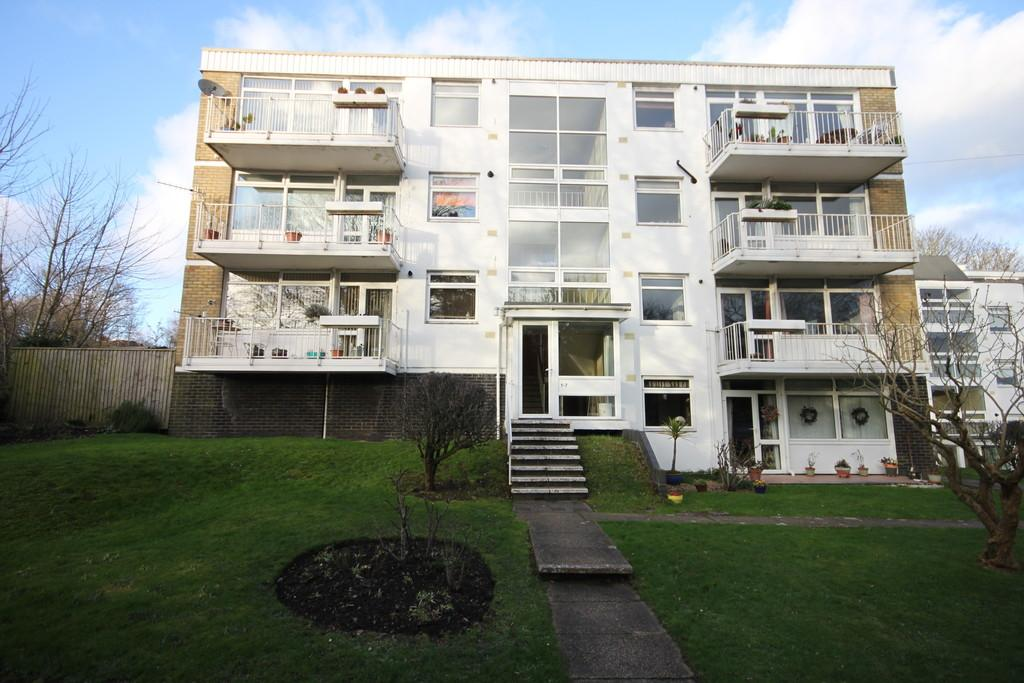 2 Bedrooms Apartment Flat for sale in SHADY BOWER CLOSE, SALISBURY, WILTSHIRE, SP1 2RQ