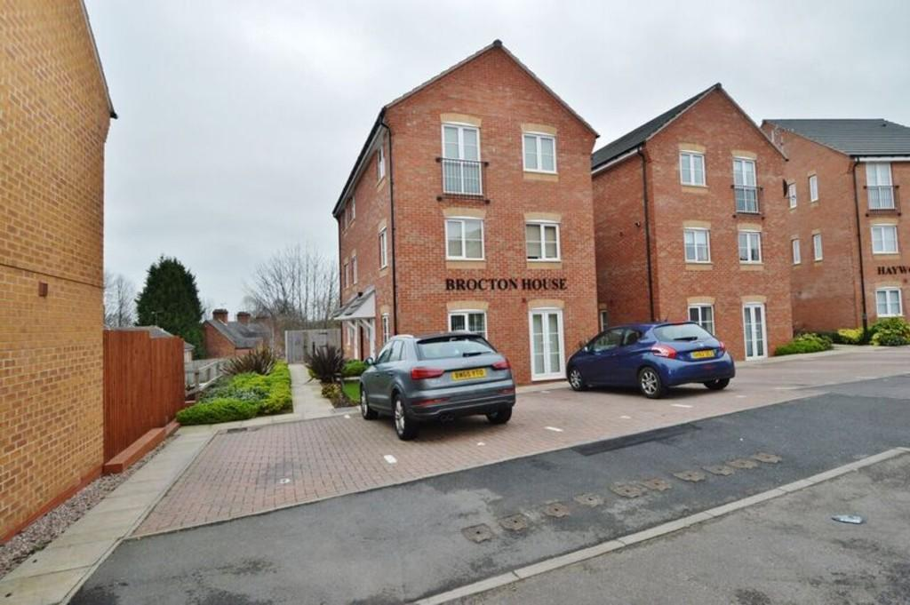 1 Bedroom Apartment Flat for sale in Hindley View, Rugeley