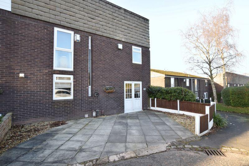 4 Bedrooms End Of Terrace House for sale in Calvers, Runcorn