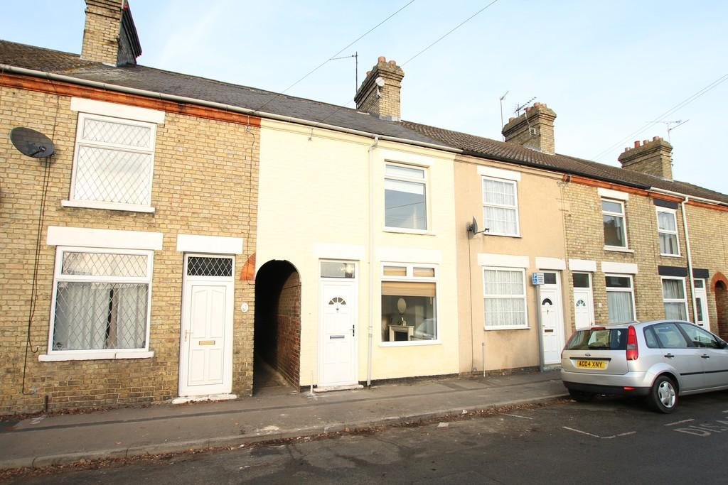 3 Bedrooms Terraced House for rent in County Road, March