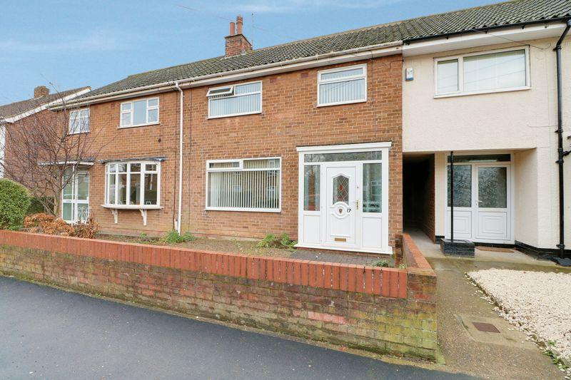 3 Bedrooms Terraced House for sale in Manor Way, Anlaby