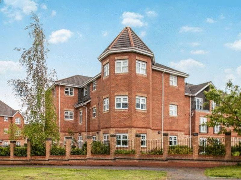 2 Bedrooms Apartment Flat for rent in Hampton Court Way, Widnes