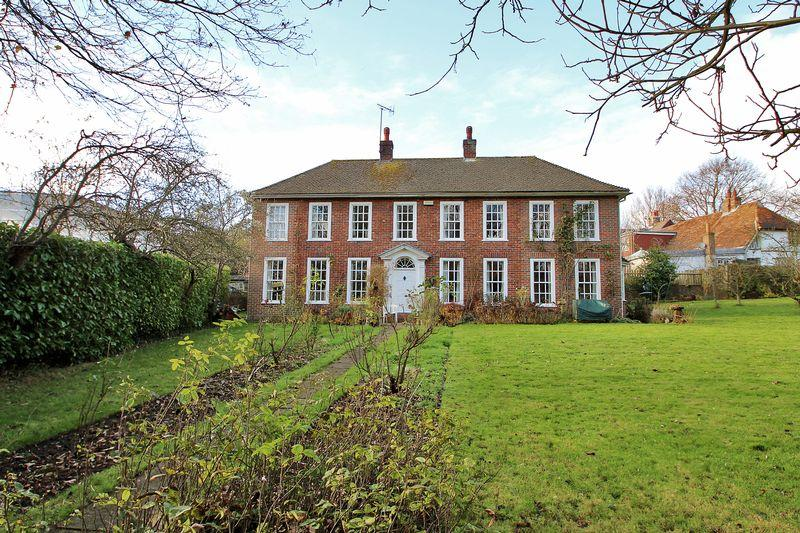 5 Bedrooms Detached House for sale in Mill Lane, Sevenoaks