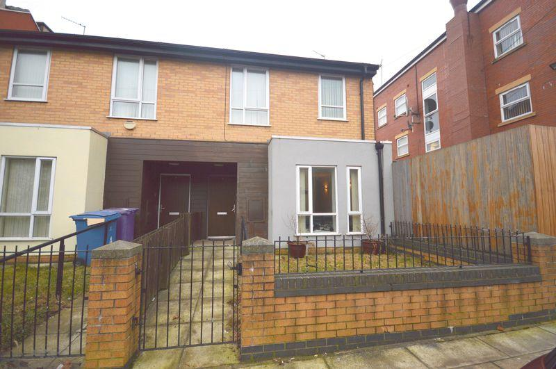 3 Bedrooms Semi Detached House for sale in Wordsworth Street, Liverpool