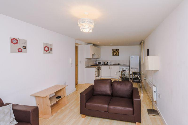2 Bedrooms Apartment Flat for rent in Lakeside Rise, Manchester