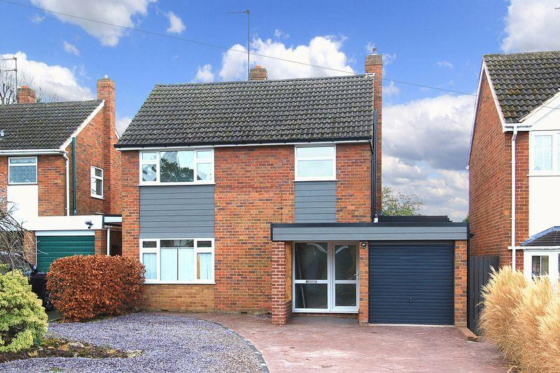 3 Bedrooms Detached House for sale in FINCHFIELD, Yeadon Gardens