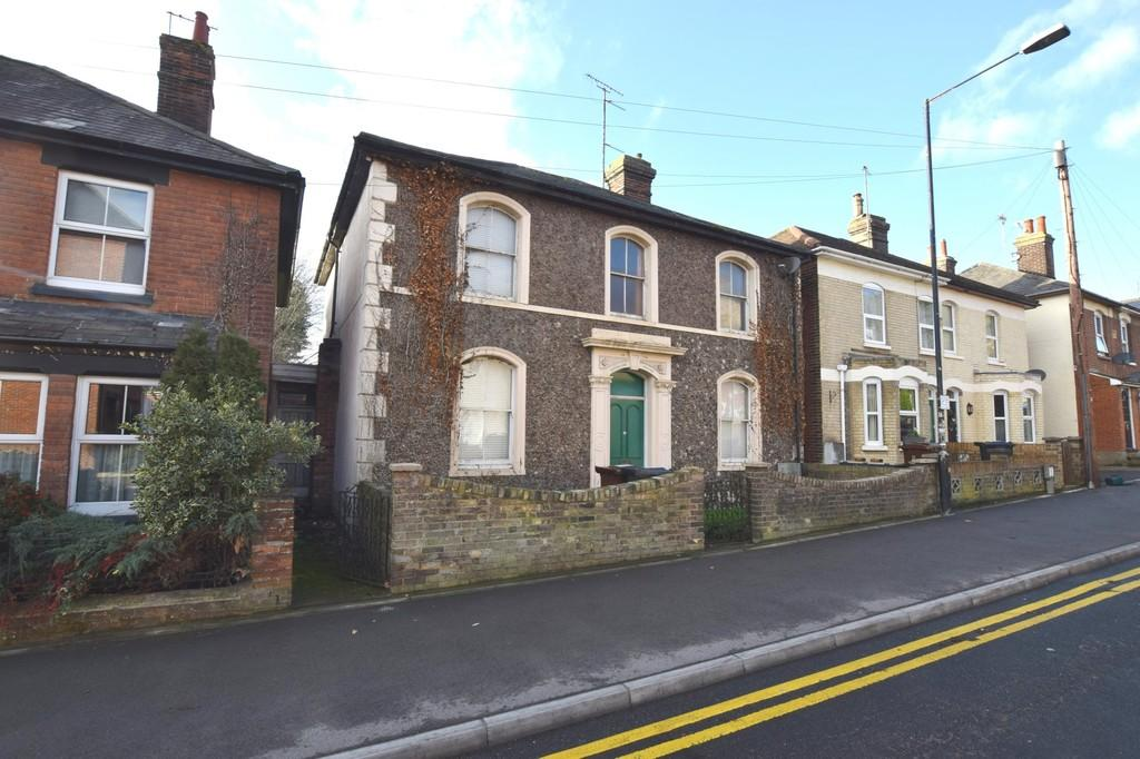 4 Bedrooms Detached House for sale in Mile End Road, Colchester, CO4 5BU