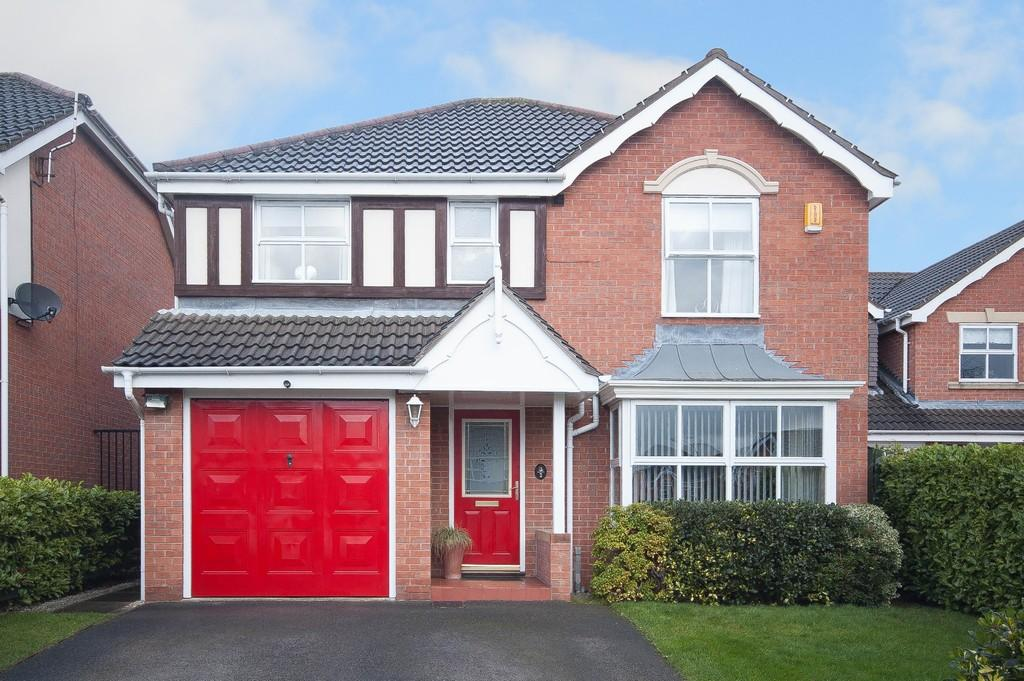 4 Bedrooms Detached House for sale in Gloucester Court, Wrenthorpe