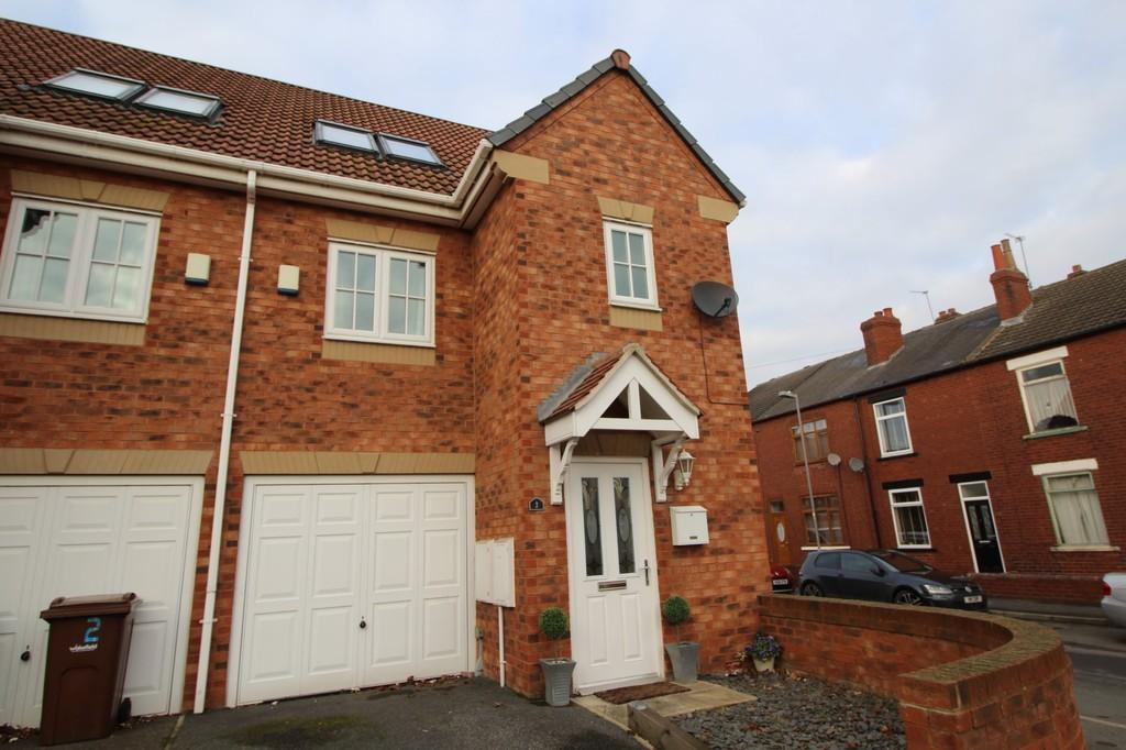 3 Bedrooms Town House for sale in Waterford Place, Normanton