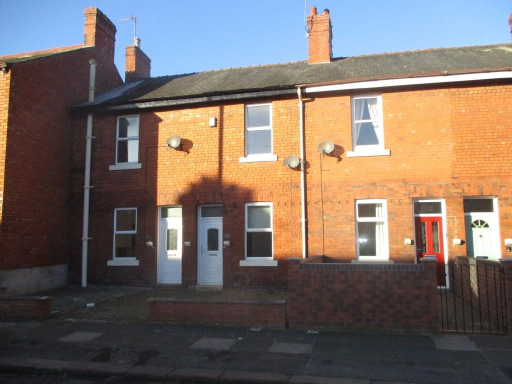 2 Bedrooms Terraced House for rent in Greystone Road, Carlisle