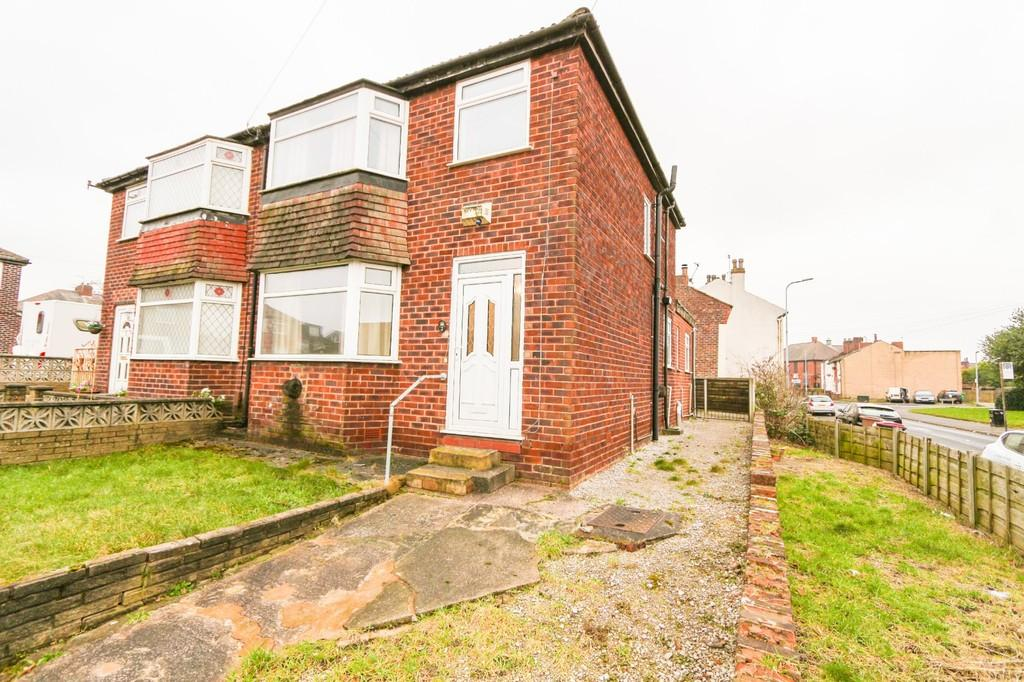 3 Bedrooms Semi Detached House for sale in 2 The Pingot, Irlam