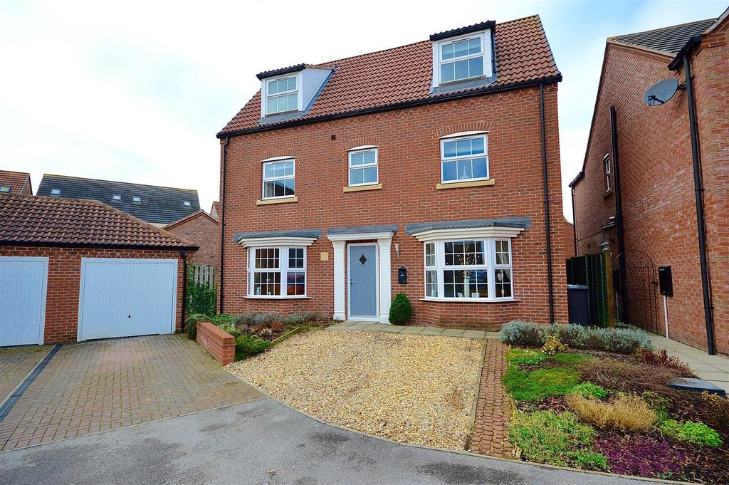 5 Bedrooms House for sale in Ploughmans Court, Lincoln