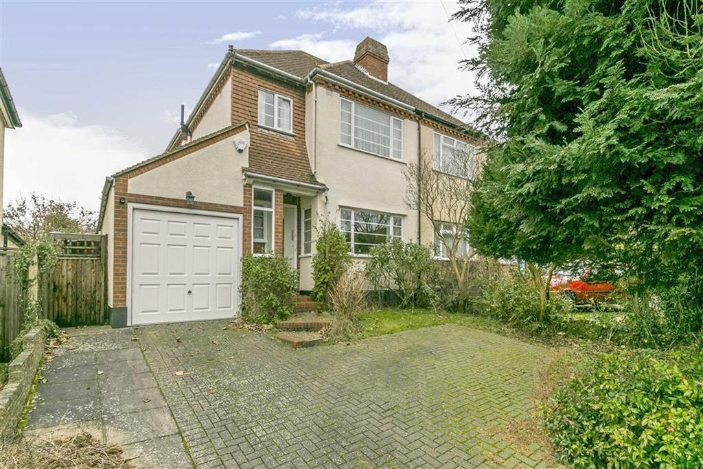3 Bedrooms Semi Detached House for sale in Parsonsfield Road, Banstead, Surrey