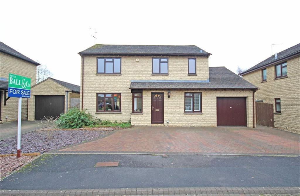 4 Bedrooms Detached House for sale in Whitehouse Way, Woodmancote, Cheltenham, GL52