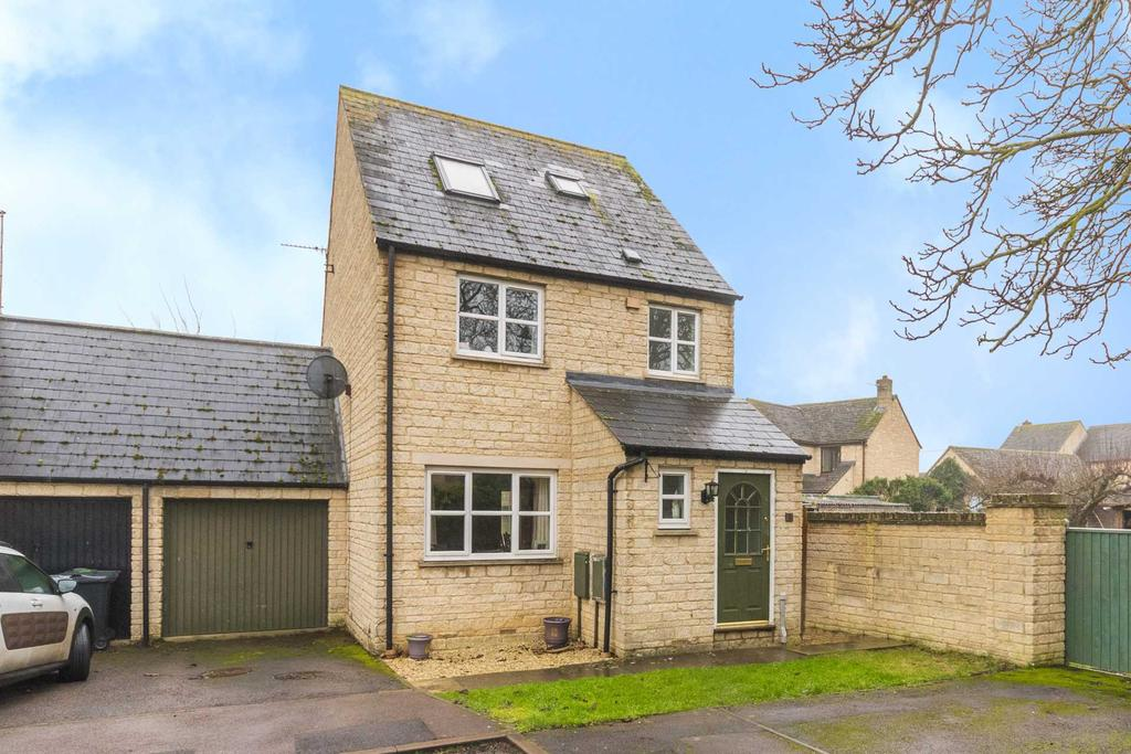 Chichester Place Brize Norton 4 Bed Link Detached House