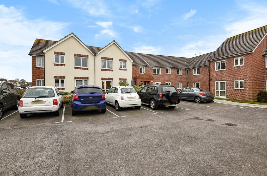 2 Bedrooms Retirement Property for sale in Buckingham Court, Shrubbs Drive, Middleton On Sea, Bognor Regis, PO22