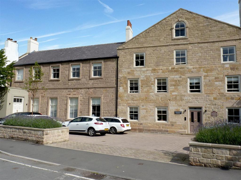 2 Bedrooms Flat for sale in Devonshire Place, Harrogate