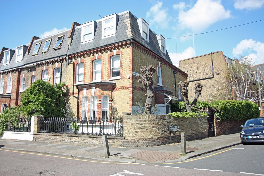 5 Bedrooms End Of Terrace House for rent in Brynmaer Road, SW11