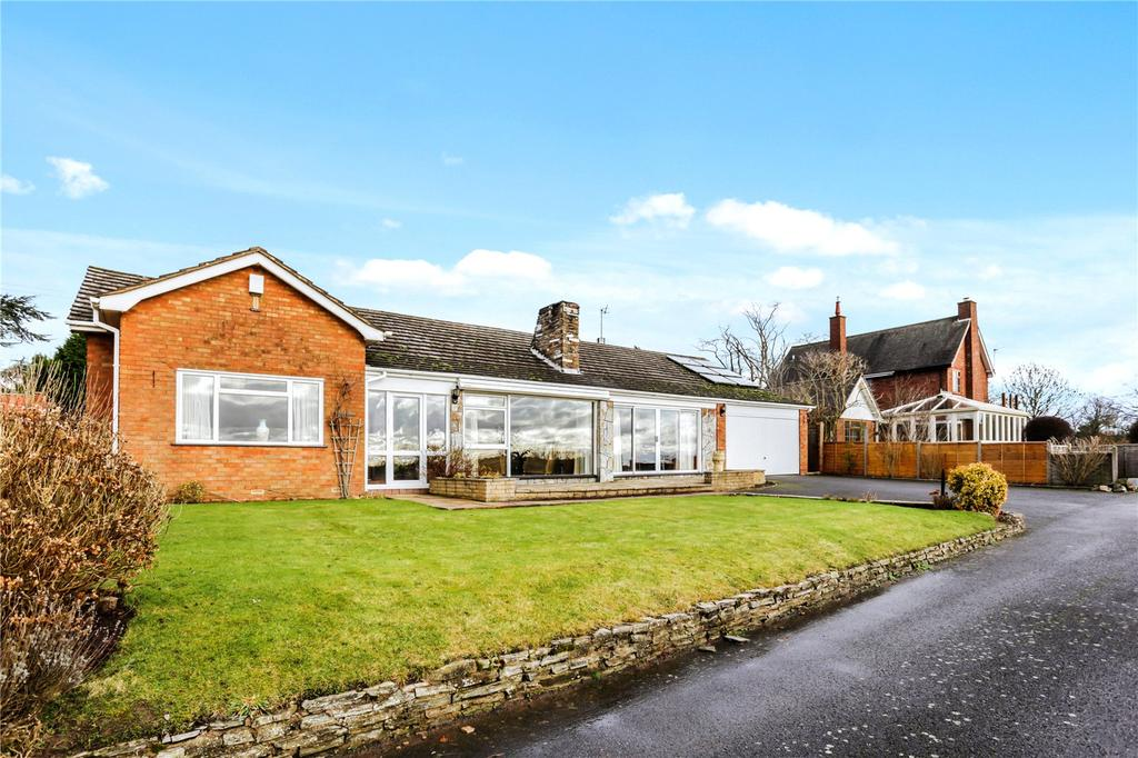 3 Bedrooms Detached Bungalow for sale in Stoulton, Worcester, Worcestershire