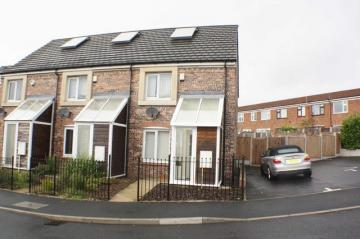2 Bedrooms End Of Terrace House for sale in Barmouth Walk