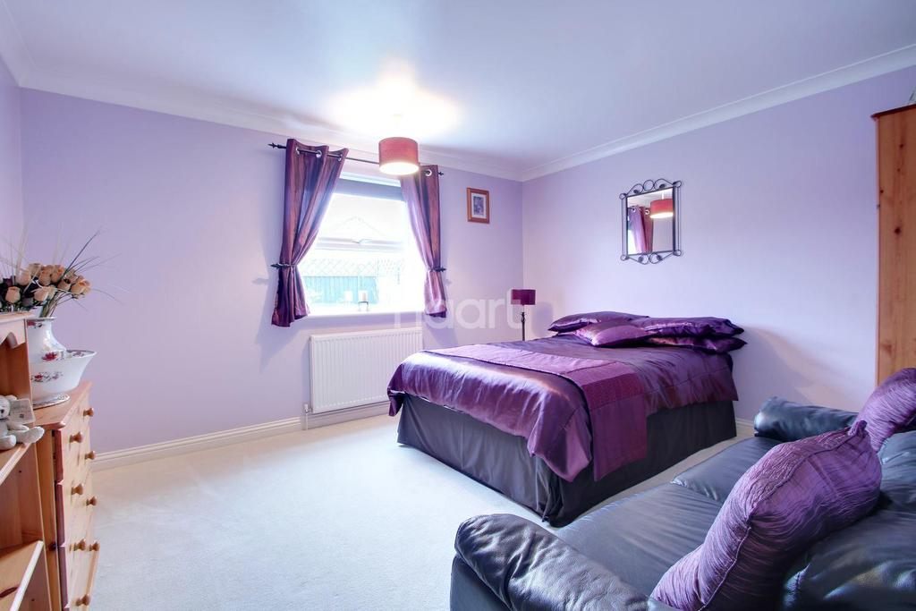 3 Bedrooms Bungalow for sale in Mill Close, Terrington St Clement