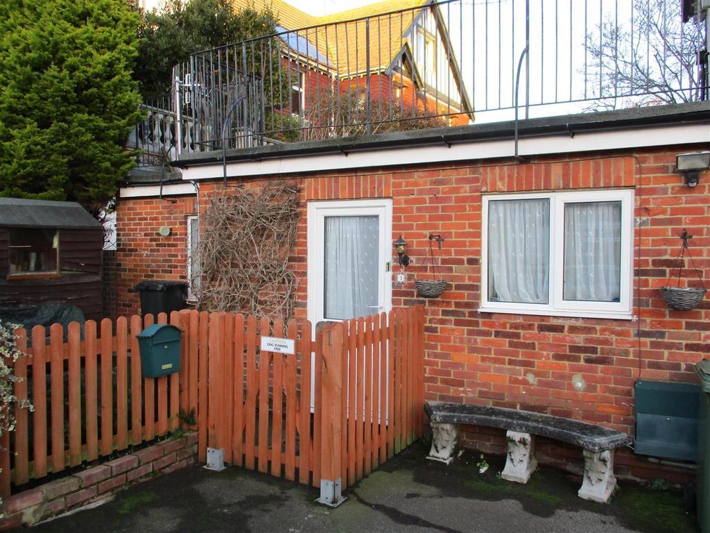 1 Bedroom Flat for rent in Elmstead Road, Bexhill-On-Sea