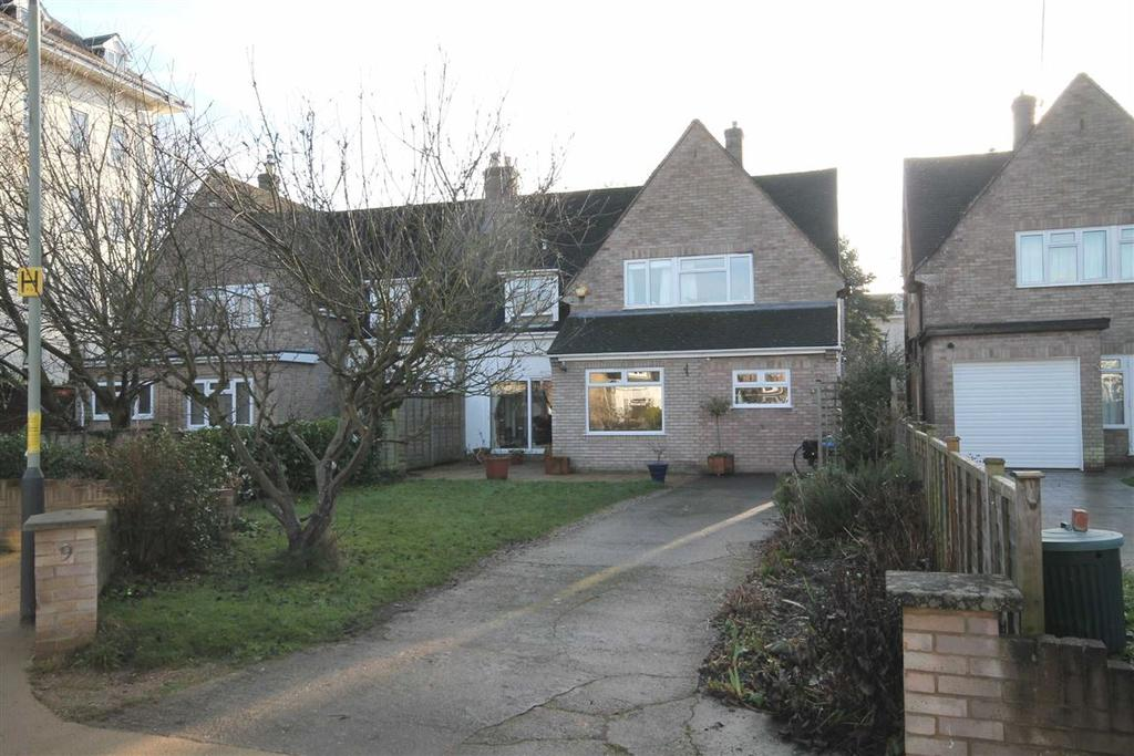 4 Bedrooms Semi Detached House for sale in Moorcourt Drive, Pittville, Cheltenham, GL52
