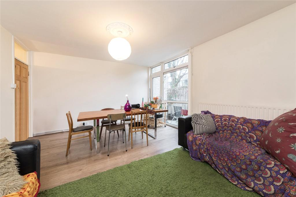 3 Bedrooms Flat for sale in Tottenham Road, Islington, London