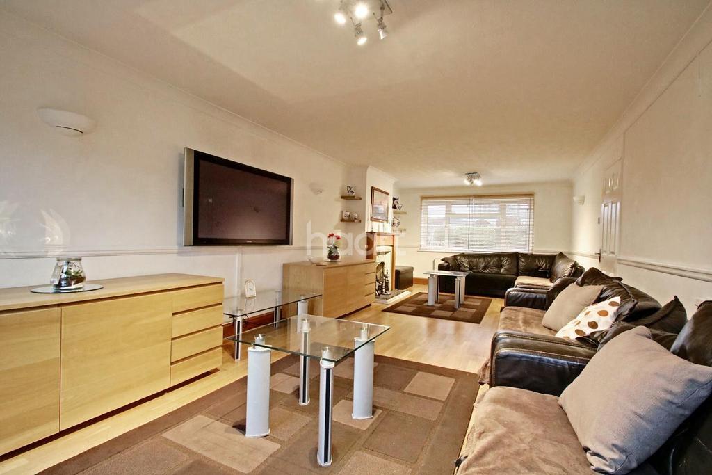 5 Bedrooms Semi Detached House for sale in Furzehill Road, Borehamwood