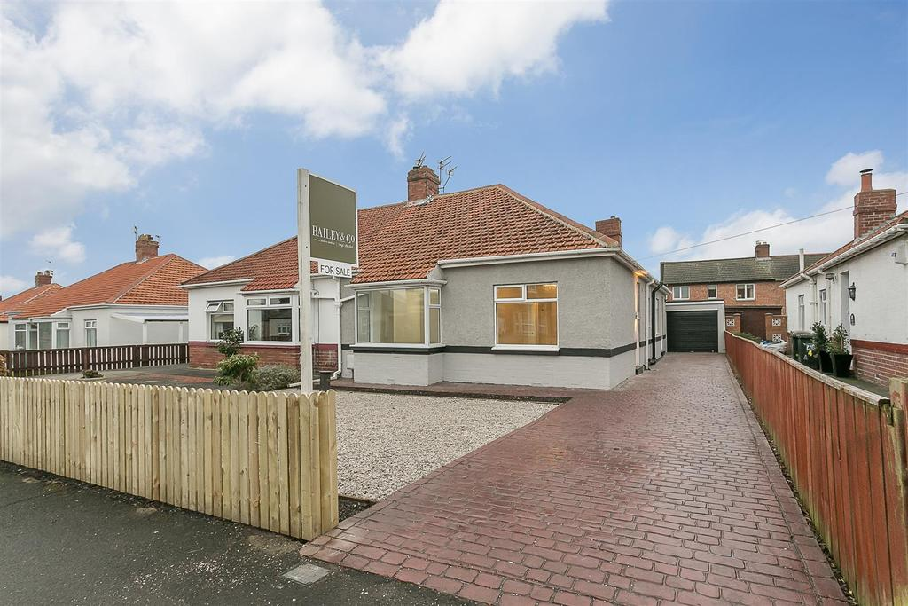 2 Bedrooms Semi Detached Bungalow for sale in West View, Wideopen, Newcastle upon Tyne