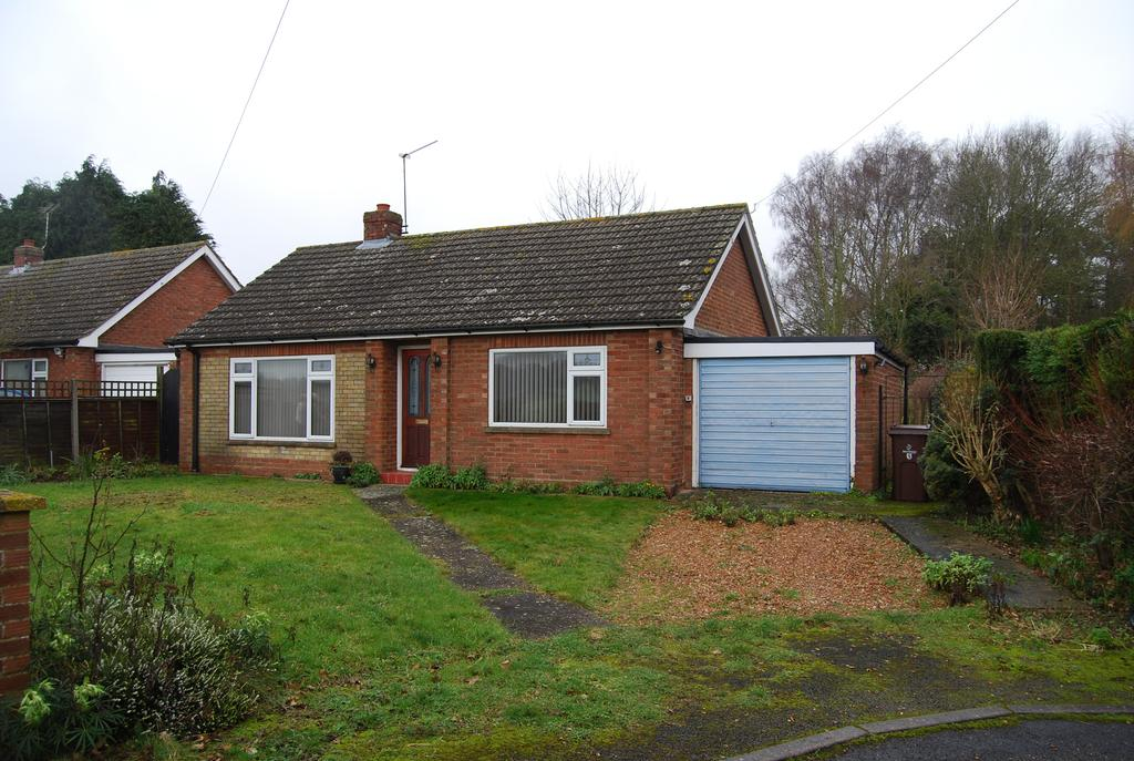 2 Bedrooms Detached Bungalow for sale in Station Drive, Great Fransham NR19