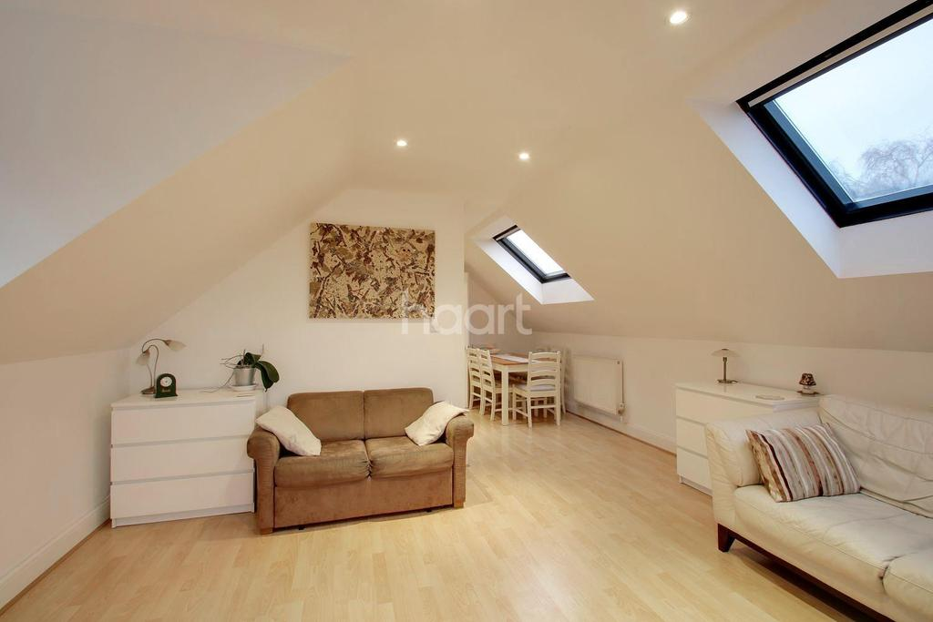 2 Bedrooms Flat for sale in Main Road, Biggin Hill