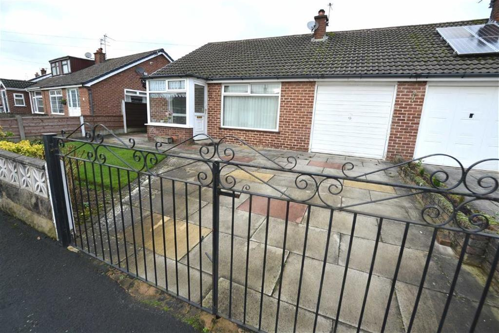 3 Bedrooms Bungalow for sale in Thirlmere Road, Manchester