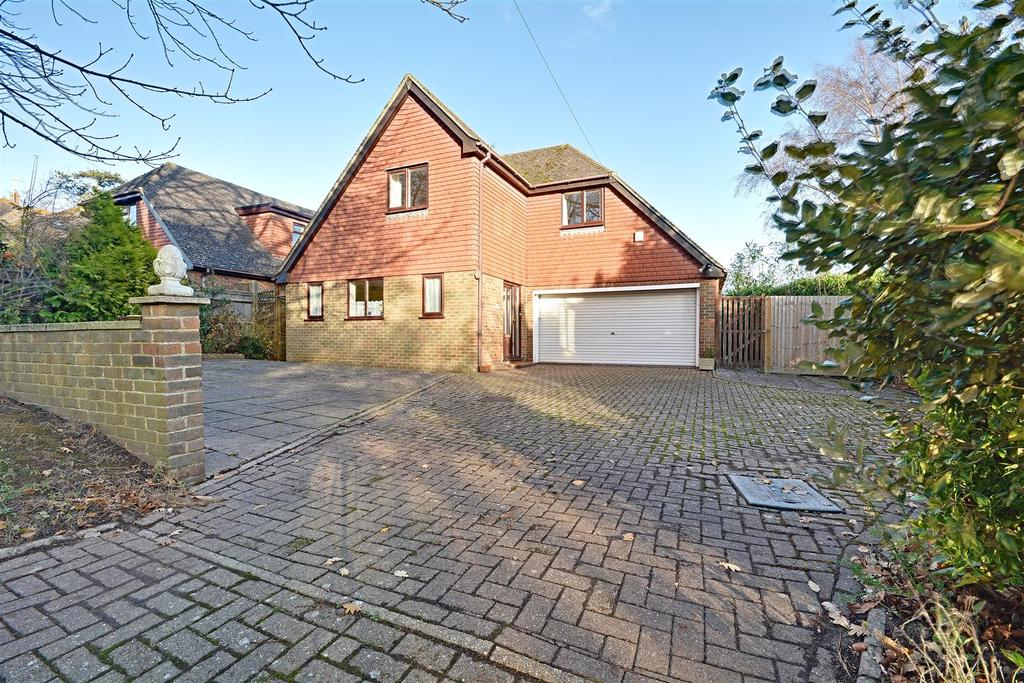 4 Bedrooms Detached House for sale in Collington Rise, Bexhill-On-Sea