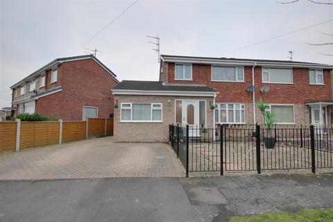 4 bedroom semi-detached house for sale - Ganton Way, Willerby
